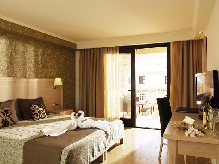 Cactus Royal Spa Hotel In Stalis Crete Resorts Stalis Royal Cactus
